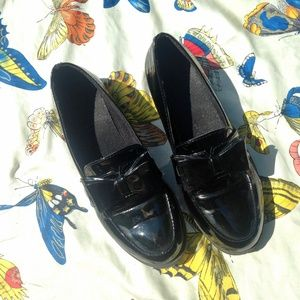 {5/$20 SALE} Black Bow Loafers